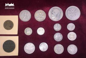 Одеські митники передали старовинні монети до Кам'янець-Подільського музею