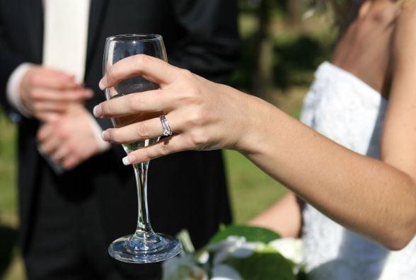 У Кам'янці організують конкурс для закоханих. Переможці одружаться за 24 години