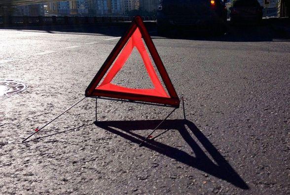 ДТП на Кам'янеччині: автівка перекинулася у к'ювет - водій у лікарні