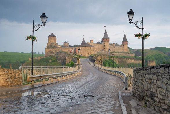 Скільки заробив Замковий міст для Кам'янця у квітні?