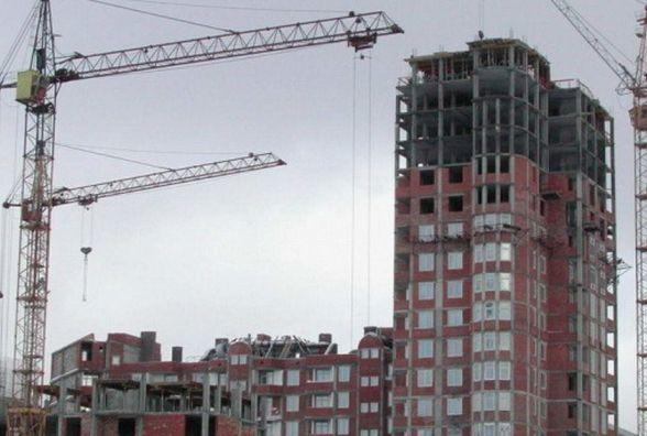 У Кам'янці трагедія на будівництві: на 63-річного працівника впала плита