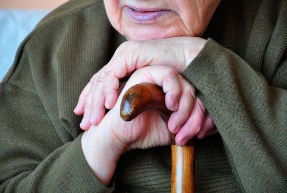 У Кам'янці пограбували пенсіонерку. Злодії вкрали євро, долари та золоту каблучку