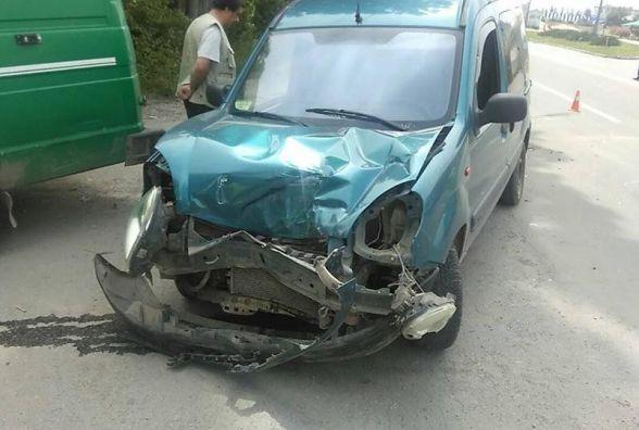 У Кам'янці в ДТП зіткнулися три автомобіля (ФОТО)