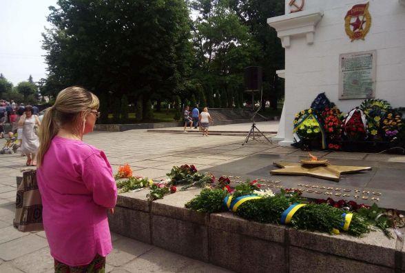 Фото дня: Кам'янець приєднався до вшанування пам'яті жертв війни