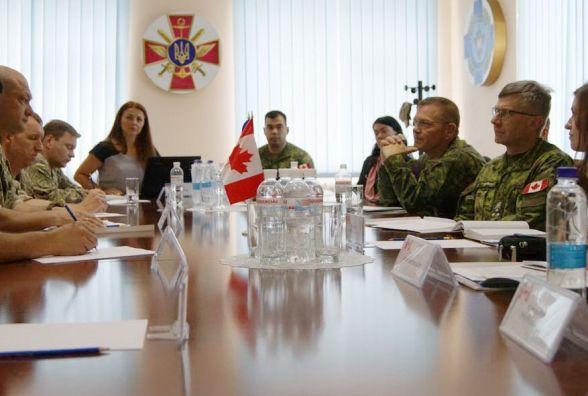 До Кам'янця приїжджав командувач Сухопутних військ ЗС Канади