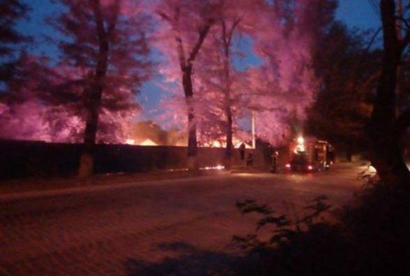 На Привокзальній у Кам'янці спалахнула пожежа