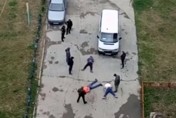 В автівці кам'янчанина, якого розшукувала поліція, знайшли рушницю та корпус гранати