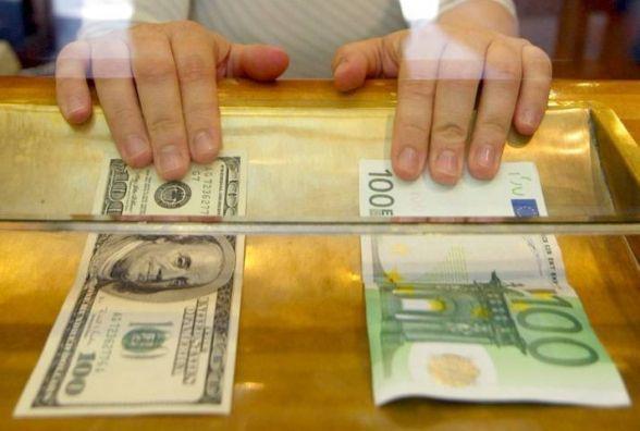 Долар продовжує рости: курс НБУ на 22 вересня