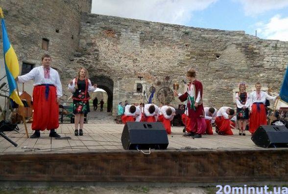 У Кам`янці до Дня захисника України студенти змагалися у козацьких забавах