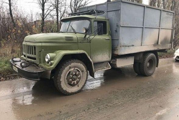 У Кам'янці зупинили вантажівку з незаконним металобрухтом