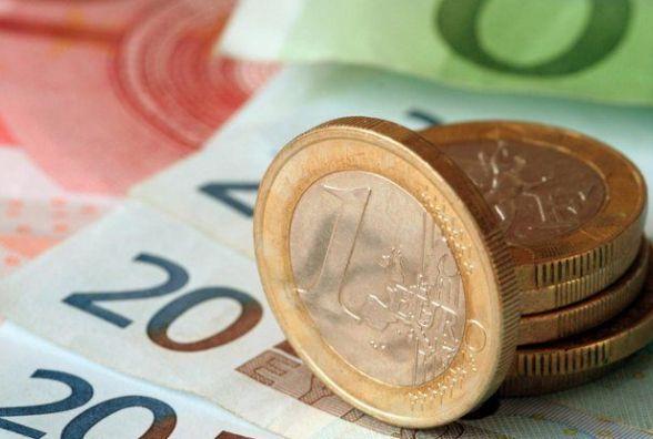 Валюта повзе вгору. Курс на 16 січня