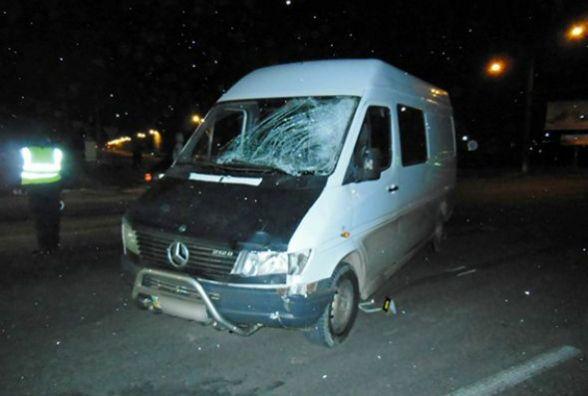 У Кам'янці «Mercedes Sprinter» збив чоловіка. Пішохід загинув (ФОТО)