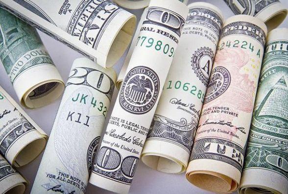 Долар продовжує дешевшати. Курс валют на 26 січня