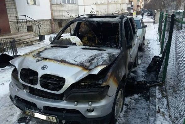 У Кам'янці горів автомобіль «BMW X5»