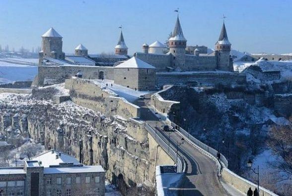 Куди розподілили більше 160 тисяч гривень, які заробив у лютому Замковий міст