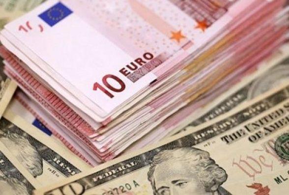 Курс валют на 8 березня: долар продовжує дешевшати