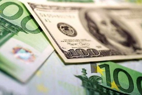 Курс валют на 15 березня. НБУ послабив гривню