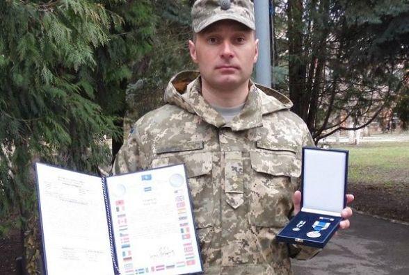 Лейтенанта із Кам'янця нагородили медаллю НАТО