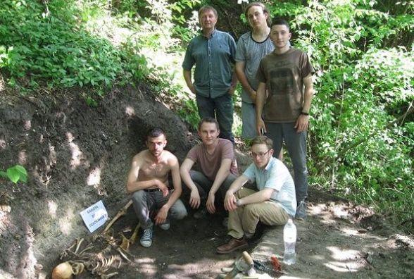 У Бакоті археологи натрапили на давньоруське поховання. Дослідники виявили могилу молодого чоловіка