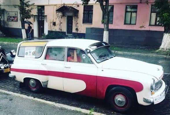 Вулицями Кам'янця-Подільського проїхалися ретро-автівки (ФОТО)