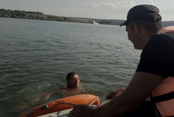 На Кам'янеччині чоловік ледве не потонув у Дністрі