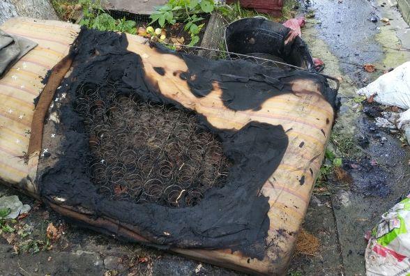 У Кам'янці дитячі пустощі з вогнем стали причиною пожежі