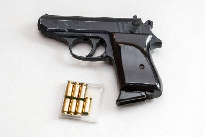 У Кам'янці батько хотів захиститися від сина пістолетом