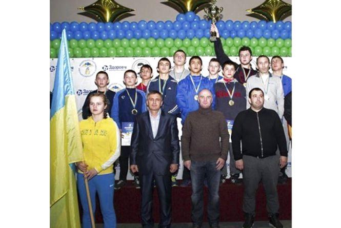 Кам'янецький спортсмен приніс збірній України з вільної боротьби перше місце