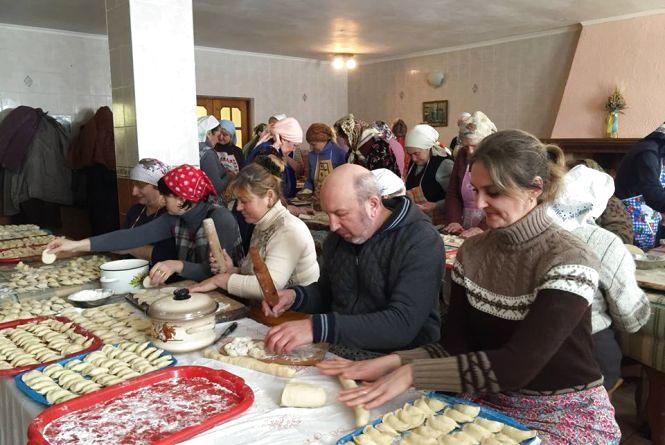 Військовим в АТО повезуть вареники, який наліпив Михайло Сімашкевич