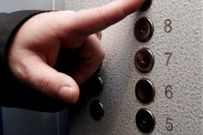 У Кам'янці відновлять роботу 11 ліфтів