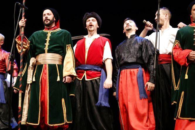 Кам'янчан запрошують на концерт ансамблю «Козаки Поділля»