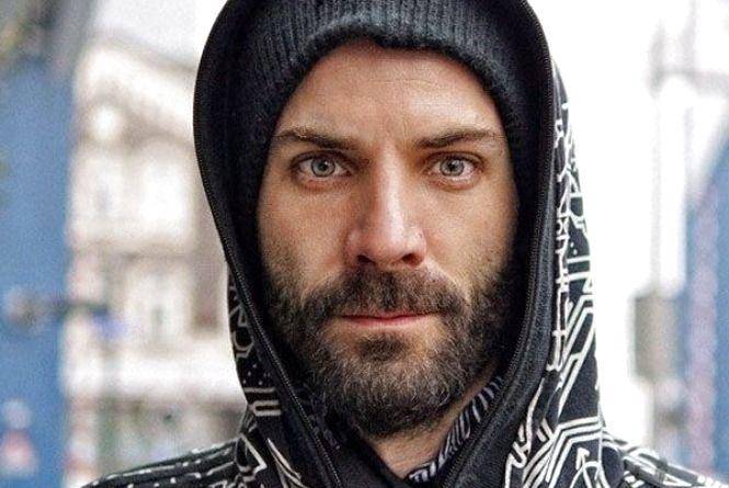 У цей день народився басист групи Rammstein