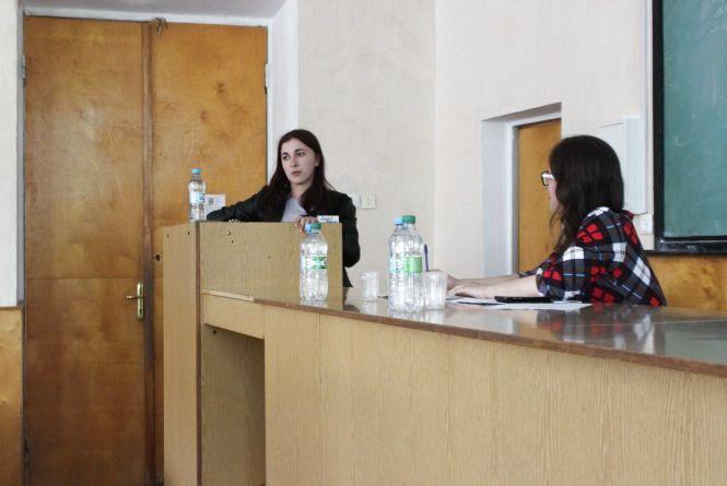 Аргументи, контраргументи, опозиція: у Кам'янці пройшов дебатний турнір