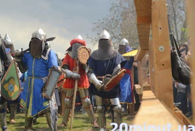 Лицарський бугурт, рок-музика, «Полювання на відьму»: Кам'янець готується до «Форпосту» (ПРОГРАМА)