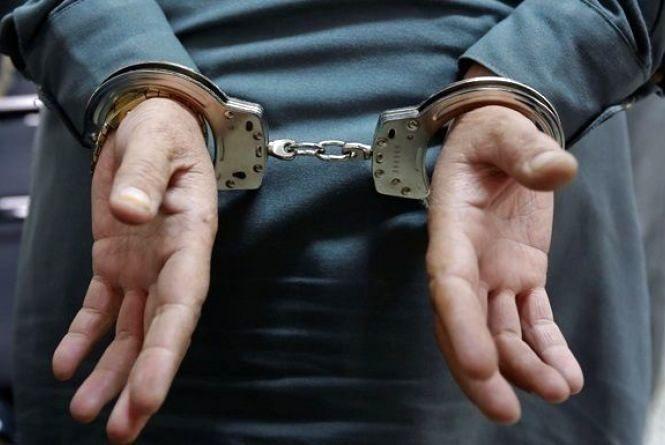 У Кам'янці чоловік втягнув неповнолітнього у наркодіяльність