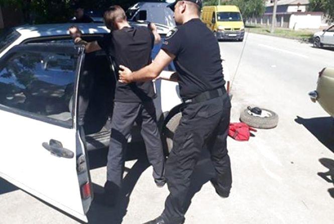 У Кам'янці затримали п'яного водія. У правопорушника виявили ще й наркотики