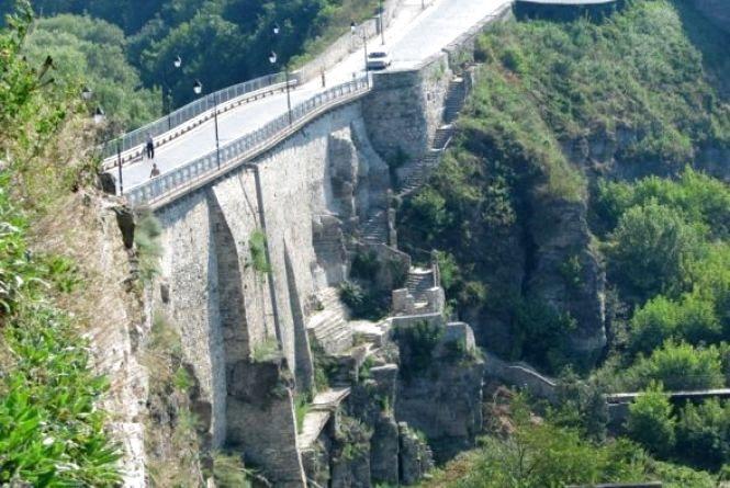 Майже 300 000 гривень «заробив» «Замковий міст» для Кам'янця у травні