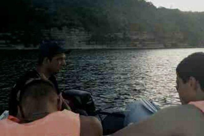 На Дністрі рятували двох рибалок