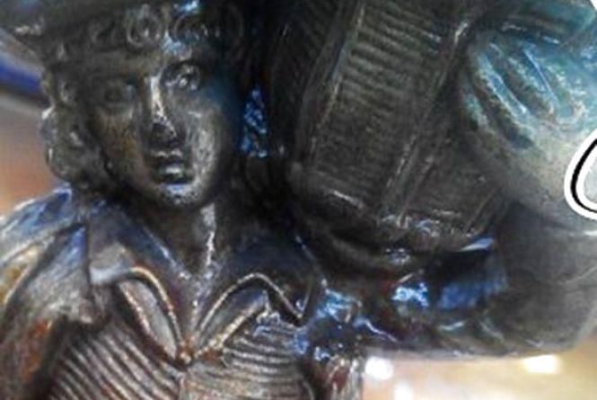 Свічник, якому 2 століття, покажуть в галереї мистецтв у Кам'янці