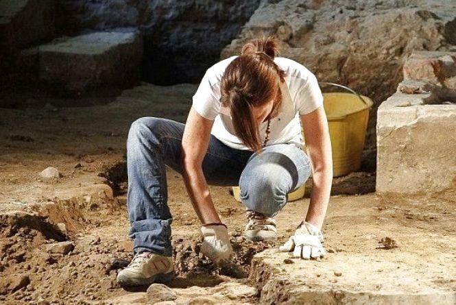 15 серпня відзначають День археолога в Україні