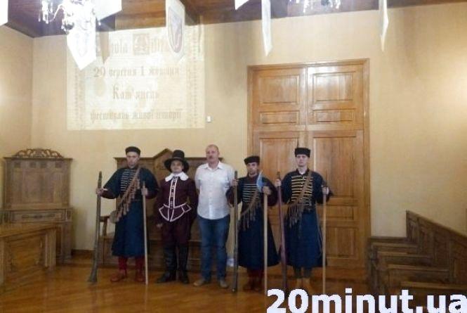 Вихідні з фестивалем «Scholа millitaria-2017»: понад 100 реконструкторів повернуть Кам`янець у 17 століття (Детальна програма)