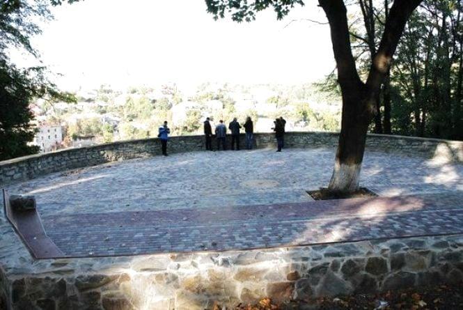 У Кам`янці відновили оглядовий майданчик