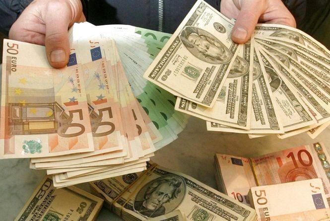 За добу впав лише долар: курс гривні на 12 жовтня
