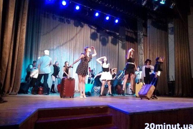 У Кам`янці триває фестиваль аматорських театрів