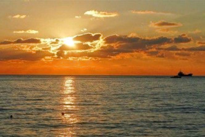 31 жовтня відзначаємо Міжнародний день Чорного моря,  Всесвітній день міст та Хеллоуін