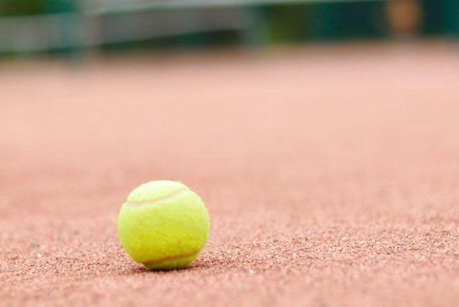 Кам'янчани хочуть грати в теніс, але не мають базового приміщення. Активісти закликають підтримати петицію