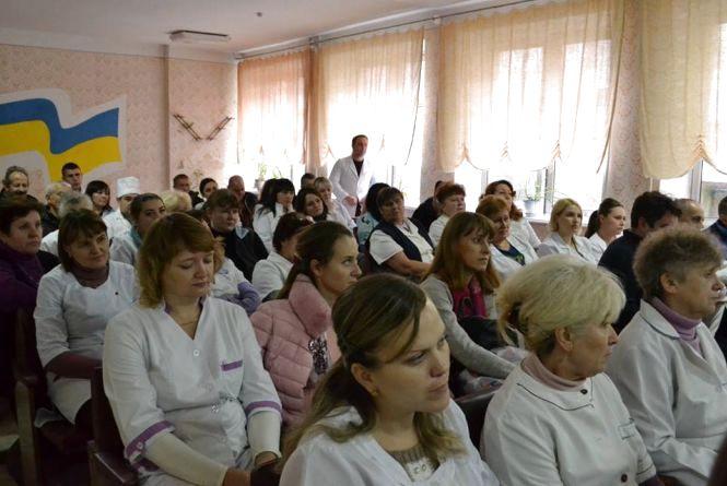 Контракт з головним лікарем кам'янецької стоматполіклініки закінчений