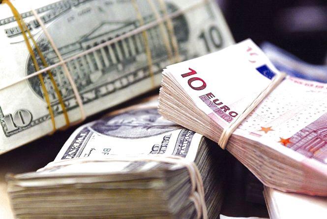 Валюта повзе вгору. Курс на 5 січня