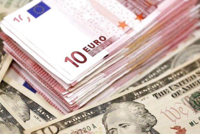 Гривня поволі стабілізується. Курс валют на 18 січня