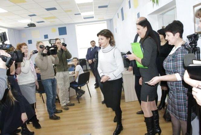 Перша леді країни Марина Порошенко відвідала навчальні заклади Кам'янця